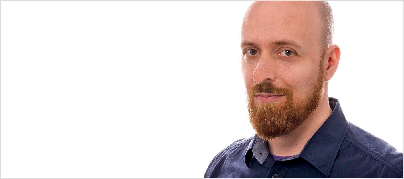 In unserer Mitarbeitervorstellung lernen Sie Manuel Flaetgen kennen, der als Grafiker bei der Werbeagentur AdvantiDesign in Kaiserslautern arbeitet