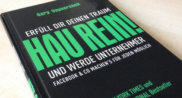 """Das Buch """"Hau rein und werde Unternehmer"""" berichtet über Social Media Marketing."""