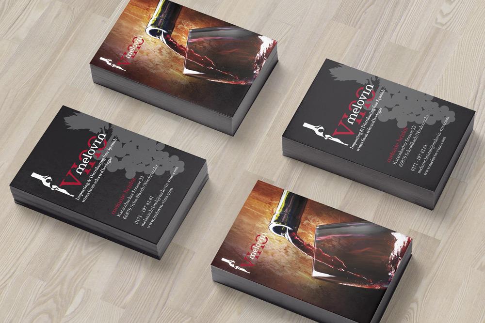 MelovinVino, Weinhandel und Bar, hat für seine Werbematerialien unter anderem auch Visitenkarten von uns gestalten lassen.