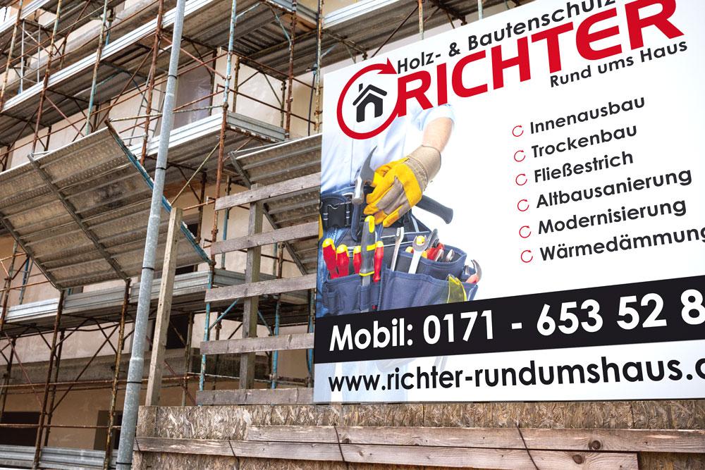 Bei Werbematerialien für ein Handwerksbetrieb wie Richter Rund Ums Haus darf natürlich ein Banner nicht fehlen. Diese haben wir für unseren Kunden gestaltet.