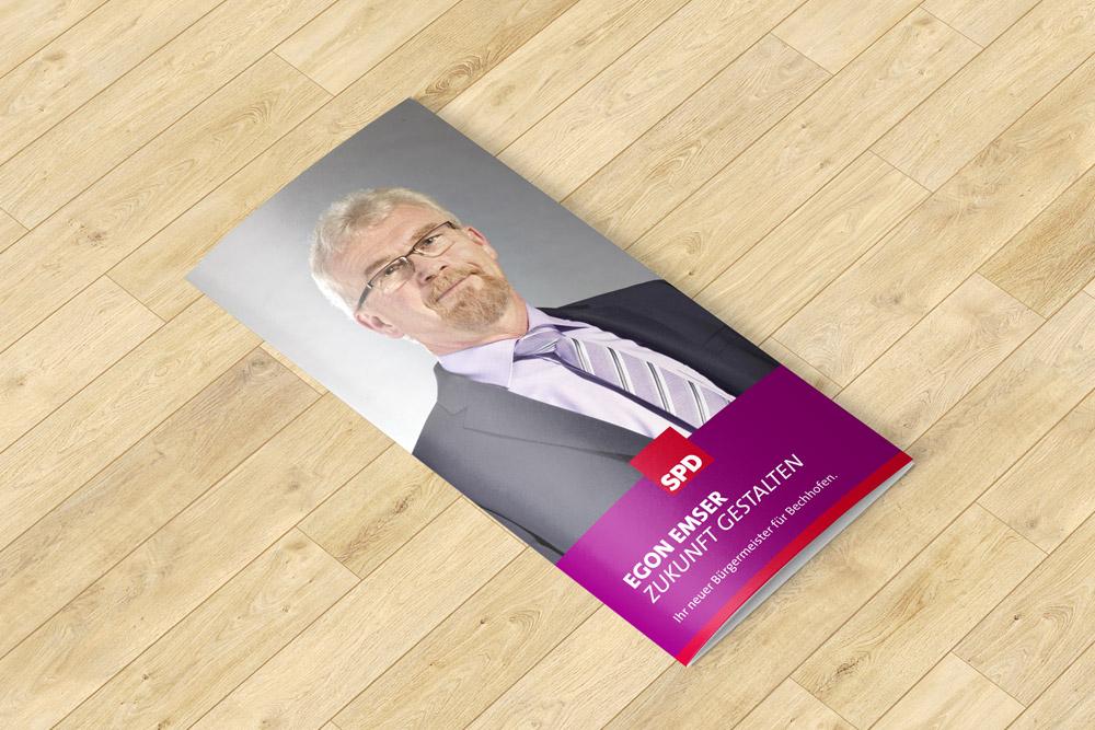 Zu Werbematerialien gehören auch professionell gestaltete Flyer. Diese wurden im Bürgermeisterwahlkampf der SPD Bechhofen eingesetzt. Wir konnten diese für die Partei gestalten.