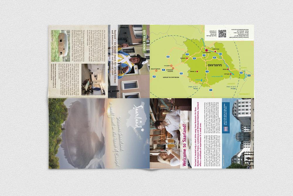 """Als Werbematerialien für die Kampagne """"Discover Saarland"""" wurden unter anderem Flyer gestaltet, die dann als Beilage in die KaiserslauternAmerican eingelegt wurden."""